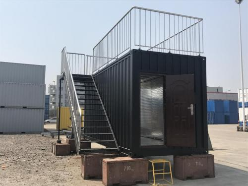 Roof top cafe container